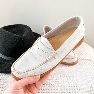 BASS | White Leather Weejuns Penny Loafers Sz 7.5